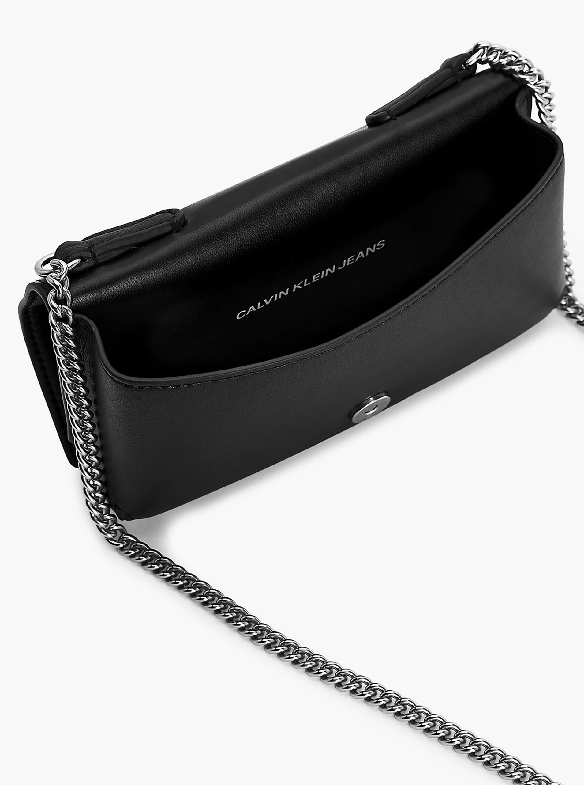 Calvin Klein čierna crossbody kabelka