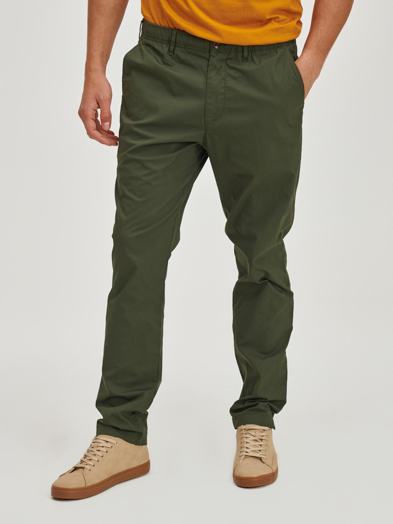 GAP Pánske nohavice a kraťasy - M