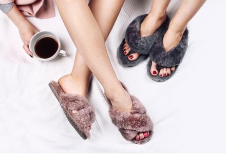 Emu kožešinové pantofle-trend, kterému neodoláte.