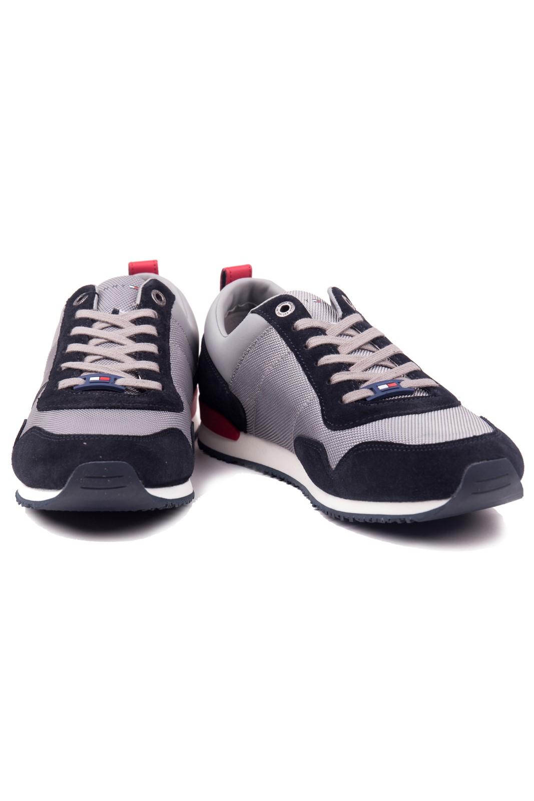 Tommy Hilfiger sivé pánske tenisky Iconic Material Mix Runner Midnight-Light Grey-Tango Red