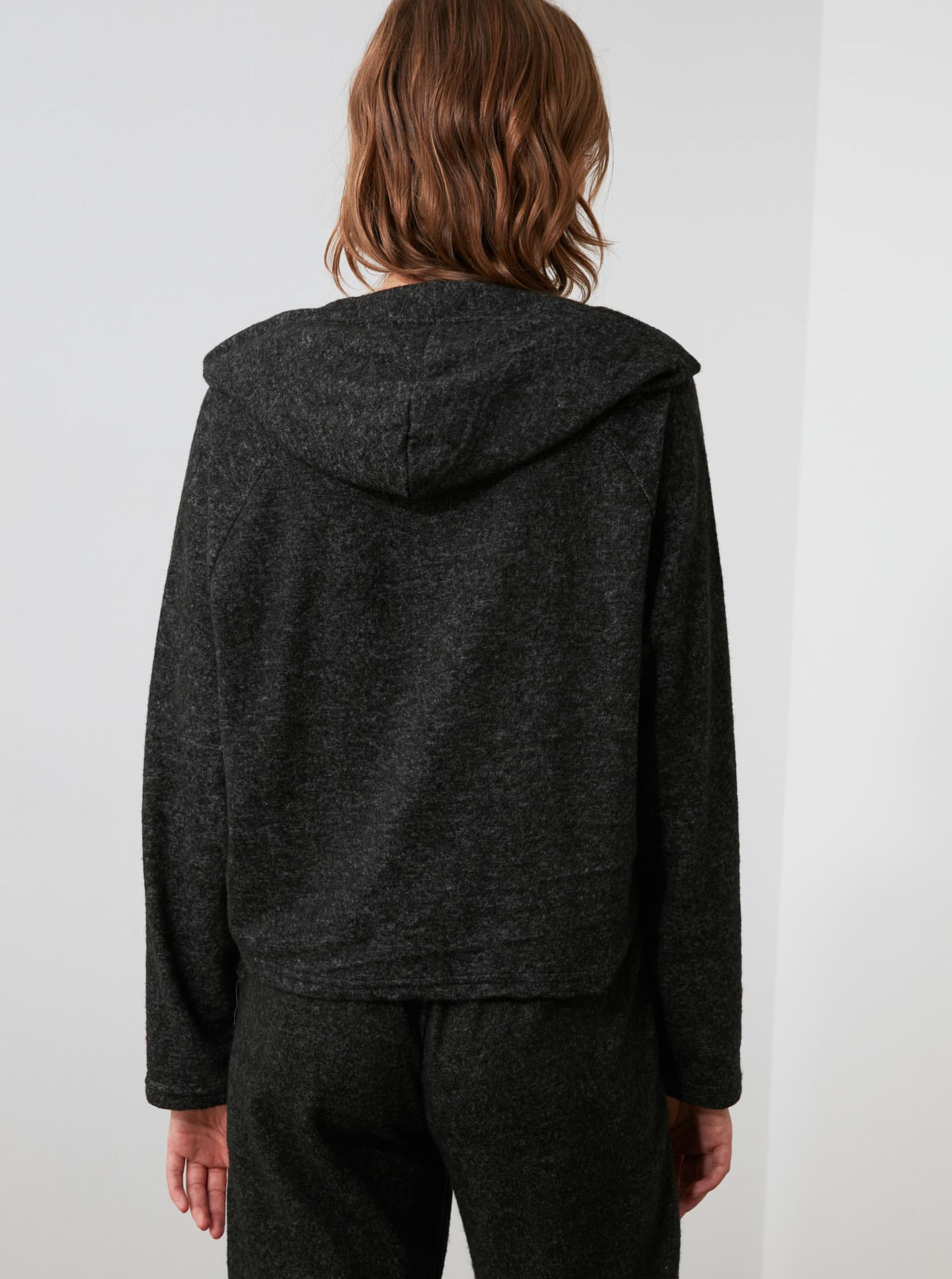 Čierne dámske voľné tričko s kapucňou Trendyol