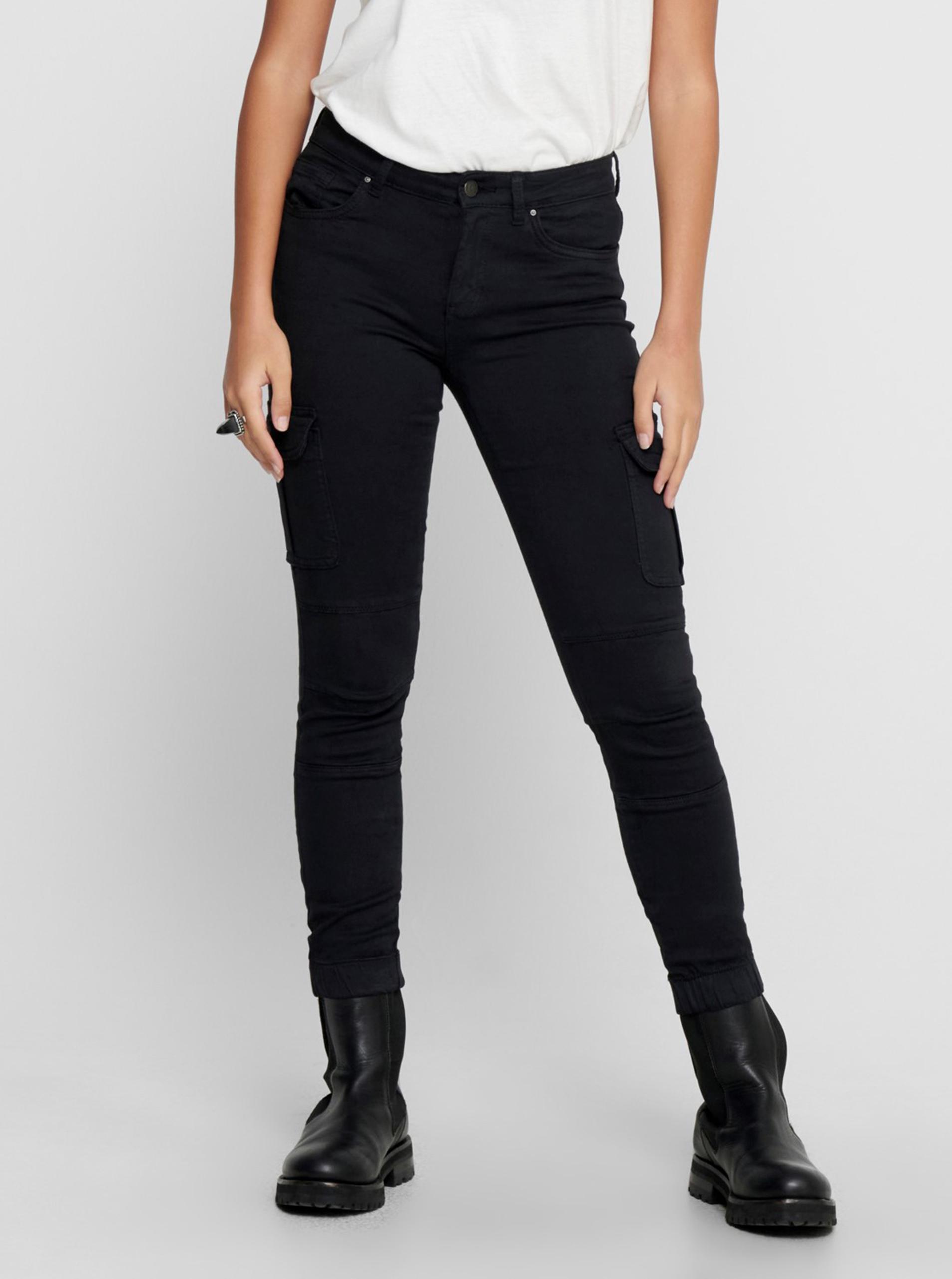 Only čierne nohavice s vreckami - S